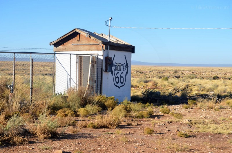 Two Guns, Arizona: A ghost town on old Route 66.