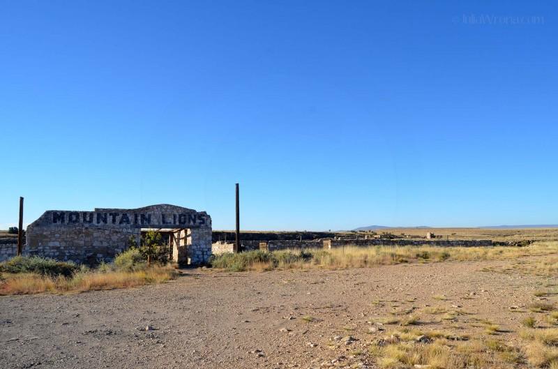 Two Guns, Arizona: A ghost town.