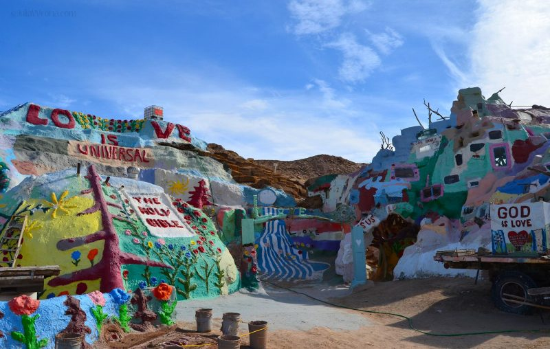 Salvation Mountain folk art