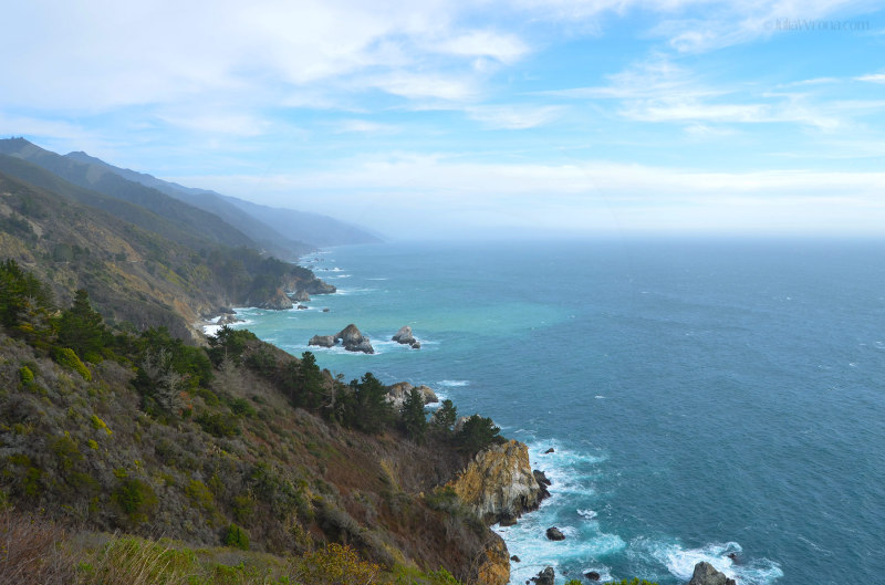 Rocky coast & Pacific at Big Sur, California