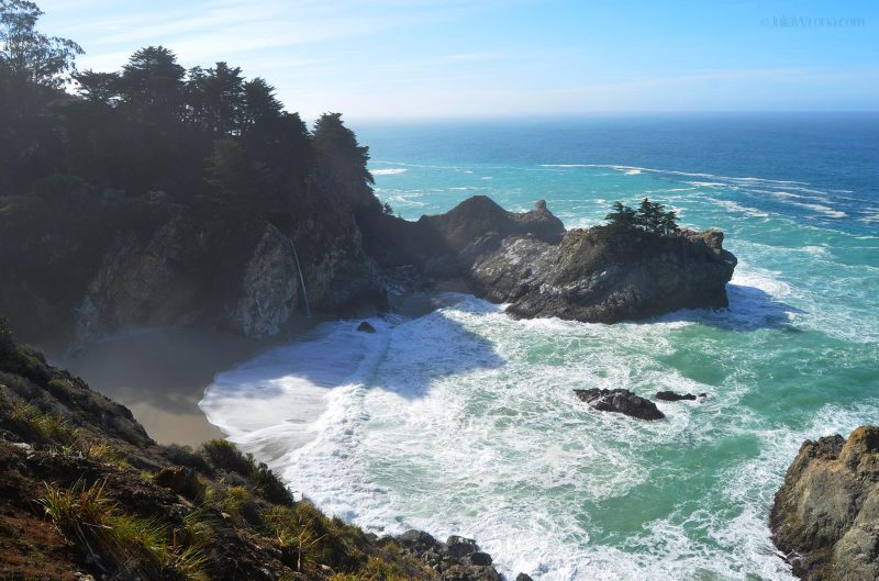 Julia Pfeiffer Burns beach & waterfall in Big Sur, California