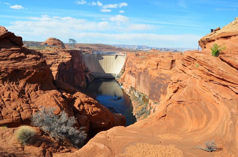 Glen Canyon Dam in Lake Powell