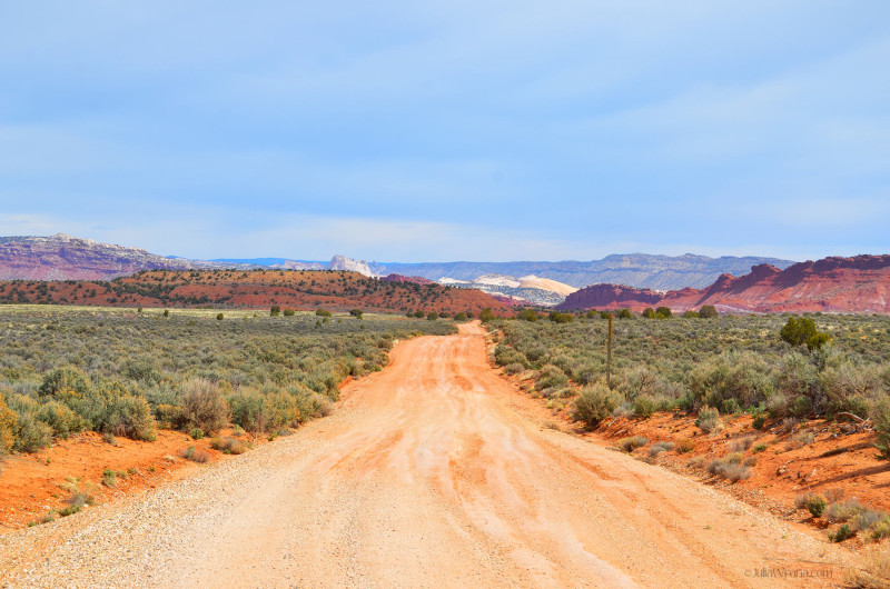 Road down to Paria, Utah