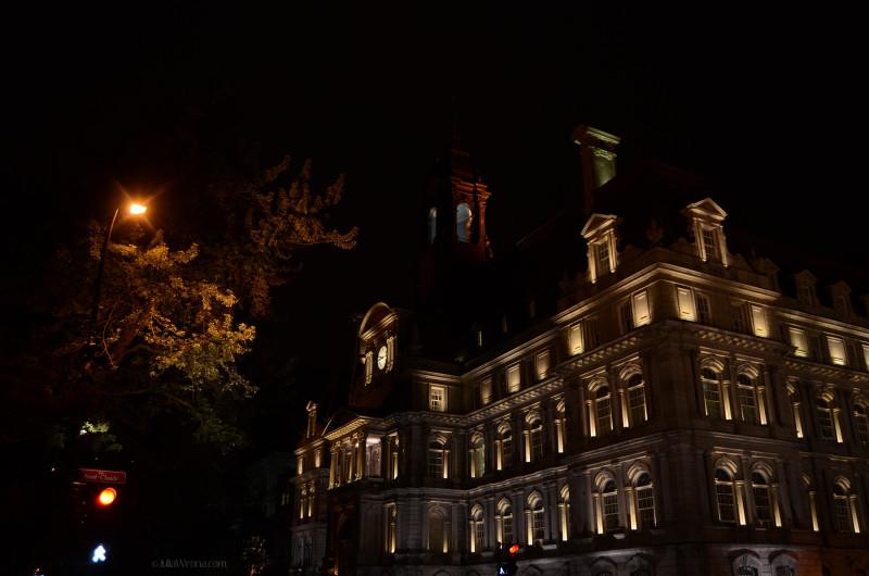 Rue Saint-Claude at Night