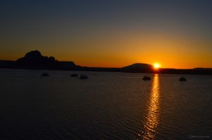 02 JKW_1275web Sunrise on Lake Powell.jpg